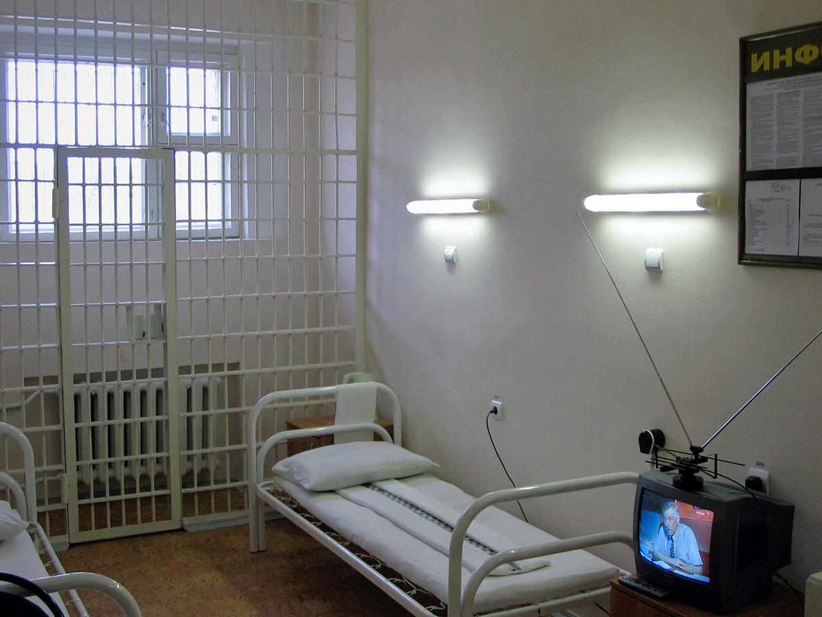 «Пусть освободится исам свои проблемы решает»: как заключенным иарестованным отказывают ввысокотехнологичной медпомощи