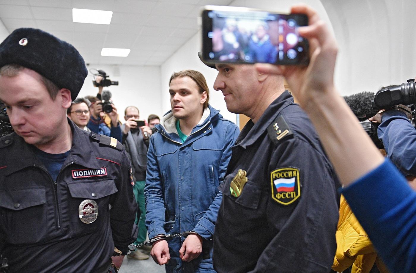 Фигуранты «московского дела» о«массовых беспорядках» инасилии вотношении представителя власти