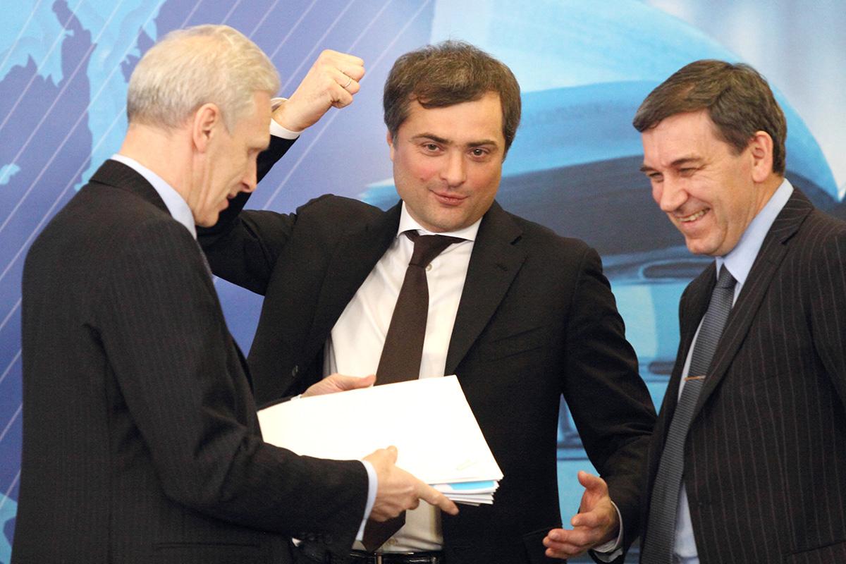Сын Дудаева, сотрудник Ходорковского, кремлевский идеолог: почему Сурков ушел сгосслужбы ичто онбудет делать дальше
